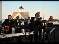 Mallard Island Yacht Club Wedding - John Parker Band 558