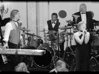 William Penn Hotel Wedding with John Parker Band 240