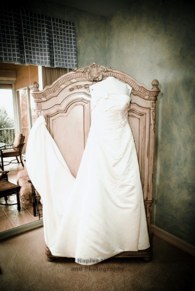 Golf-Lodge-at-the-Quarry-Naples-Wedding-Dress