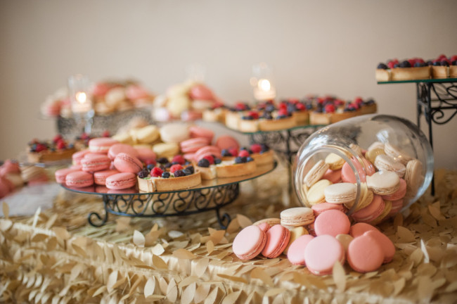 The Club at Nevillewood Wedding Reception: Pink Macaroons and Fruit Cheesecakes