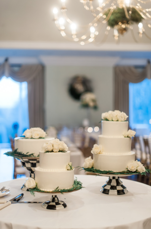 Longue Vue Club Wedding Reception: Small Floral Cakes