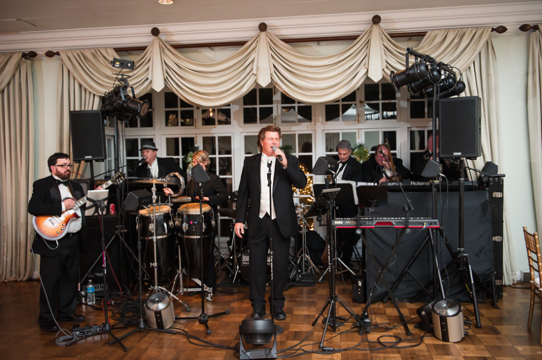 Longue Vue Club Wedding Reception: Singer and Band