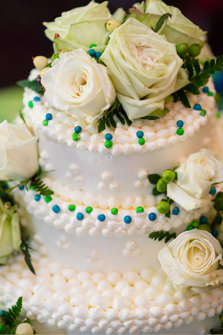 Nevillewood Country Club White Rose Dotted Wedding Cake