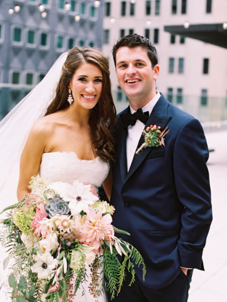 Fox Chapel Golf Club Pittsburgh Newlywed Portrait with Pastel Bouquet