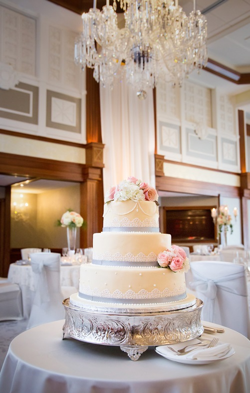 Nemacolin Woodlands Pittsburgh Wedding Pretty Wedding White Cake